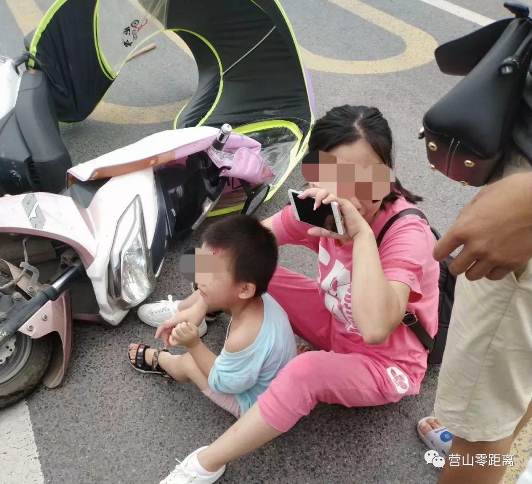 昨日上午,营山县一环路发生一起交通事故...
